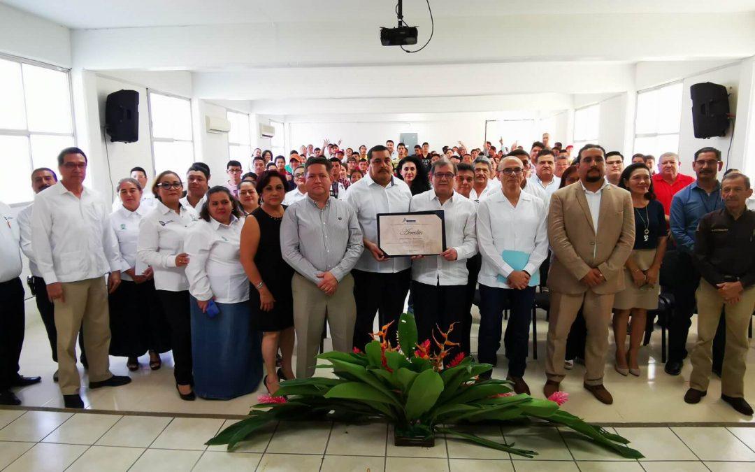 Recepción del Certificado de Acreditación del Programa de la Carrera de Ingeniería en Agronomía, dentro de la Ceremonia de Inicio De Curso Del Periodo Enero – Julio 2020